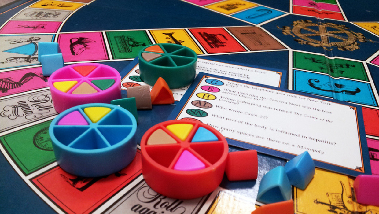 10 fun facts despre jocul Trivial Pursuit